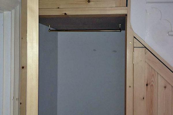 understairs-cupboard-IMG_1241